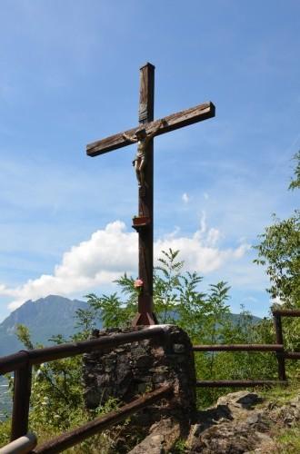 Croce votiva eretta dal Gruppo Alpini di Serso